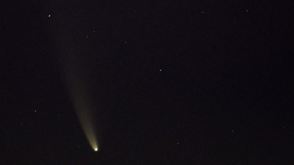 Comet Swan is now visible to naked eye from Earth - YouTube